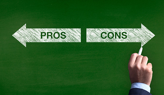 pros and cons to consider when exhibiting